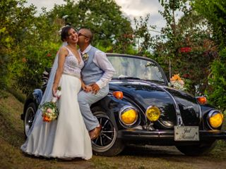 Lorenzo & Jerónimo VW Wedding Car 1