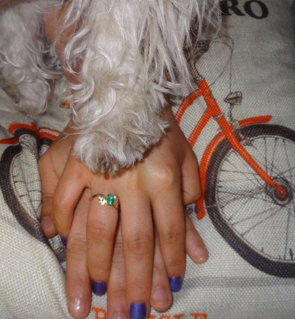 c316aefc449b Ya luego supe que el anillo de compromiso iba en la izquierda y empecé a  llevarlo en ese mano. Para el día de nuestra boda