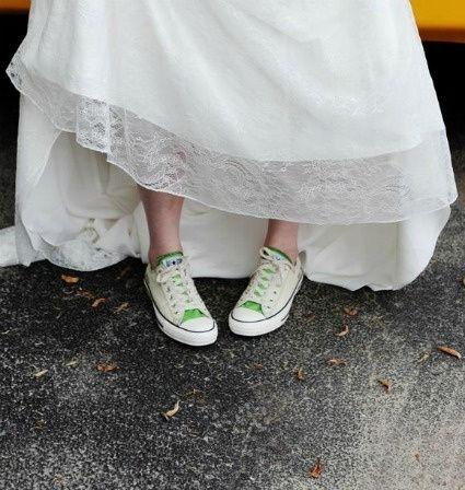 rompiendo esquemas: novias con tenis