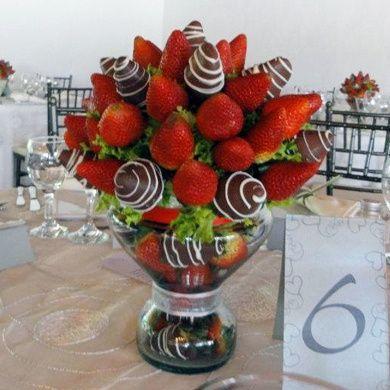 Una boda decorada con frutas for Centro de mesa boda campestre