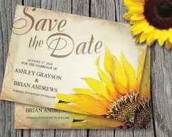 Consejos o ideas de decoración para boda temática girasoles en la playa - 3