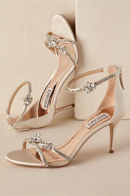 Estos zapatos son MUY glam... ¿V o F? 1