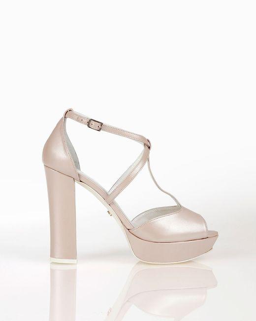 3 zapatos blancos: ¿A cuál le apuntas? 3