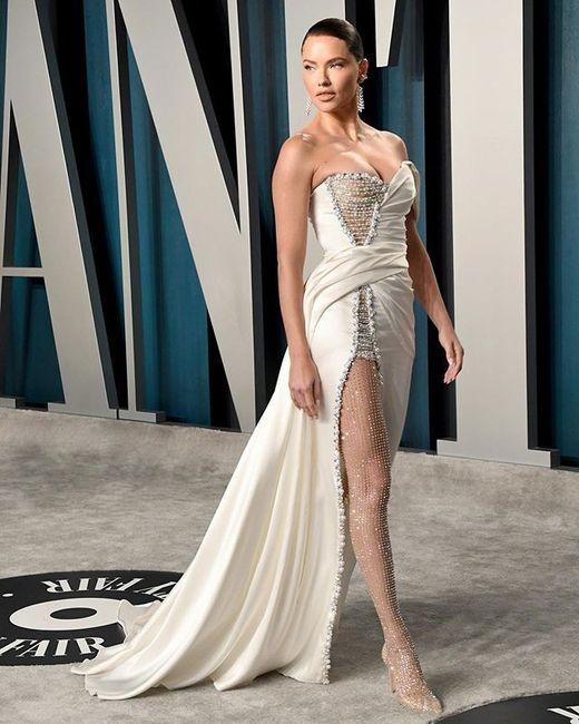 ¡Los vestidos de novia que más triunfaron en los Oscars 2020! 😍 8