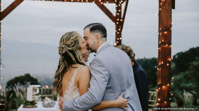 4 Matrimonios reales, 4 besos con amor 💋 ¿Cuál es tu preferido? 3