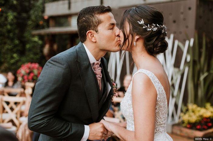 4 Matrimonios reales, 4 besos con amor 💋 ¿Cuál es tu preferido? 4
