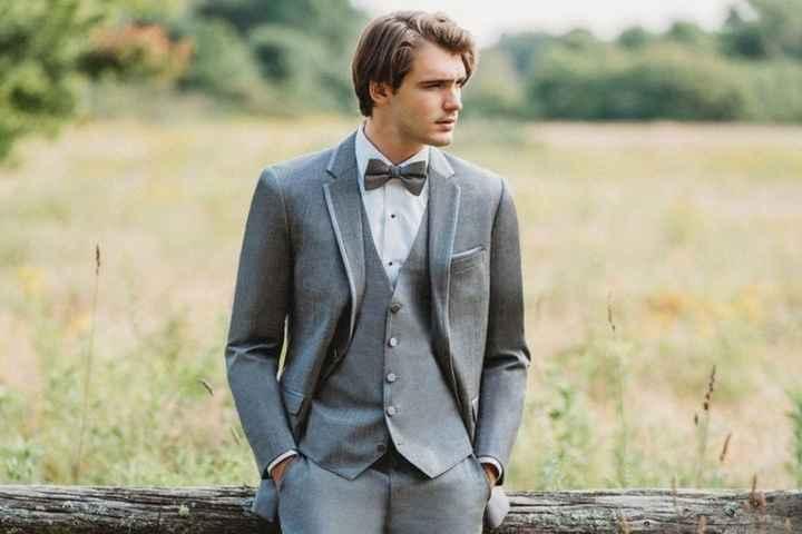 2 matrimonios, 2 trajes de novio. ¿Cuál para él? 2