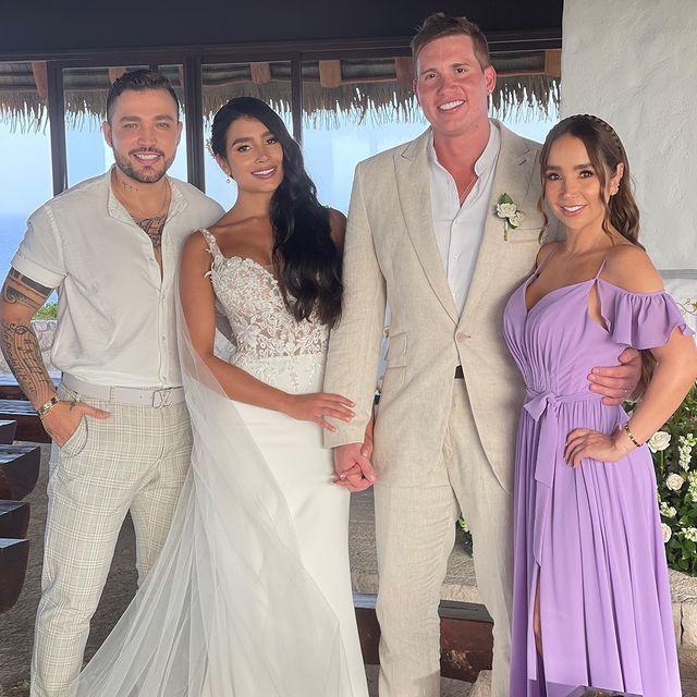 Así lucieron Paola Jara y Jessi Uribe en la boda de su hermana 👇 1
