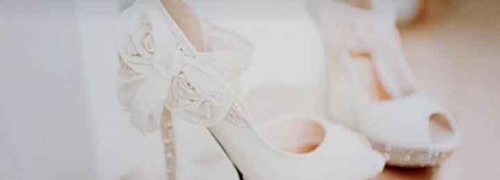 Un toque de color... ¡en los zapatos! 🎨 - 1