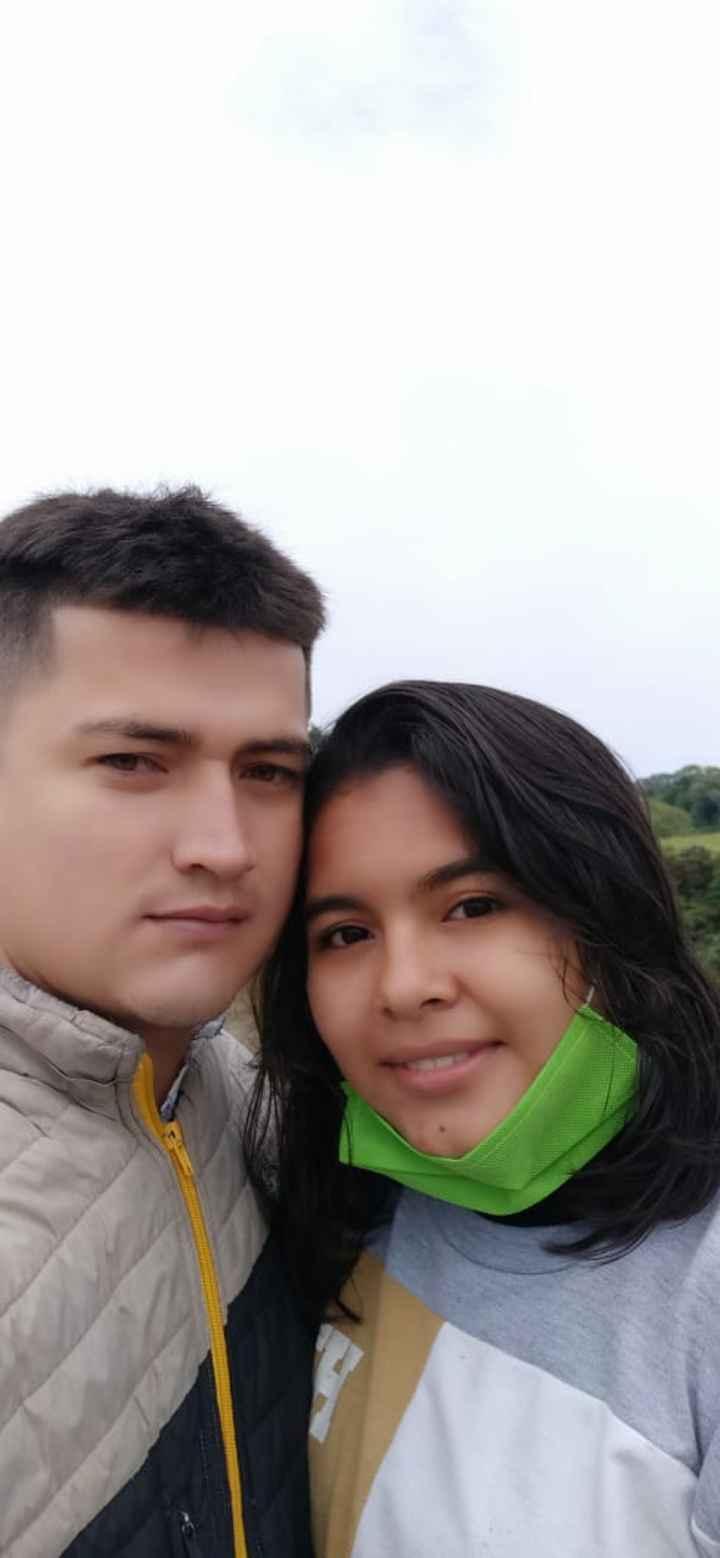 ¡Sube una foto con tu amor! 📷 - 1