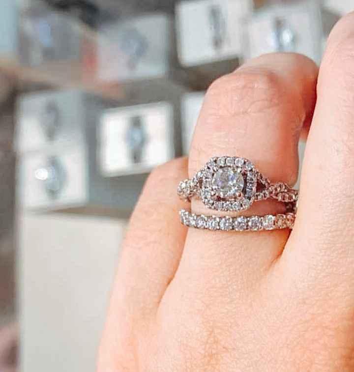 ¿Qué sientes cuando ves tu anillo de compromiso? 💍 - 1