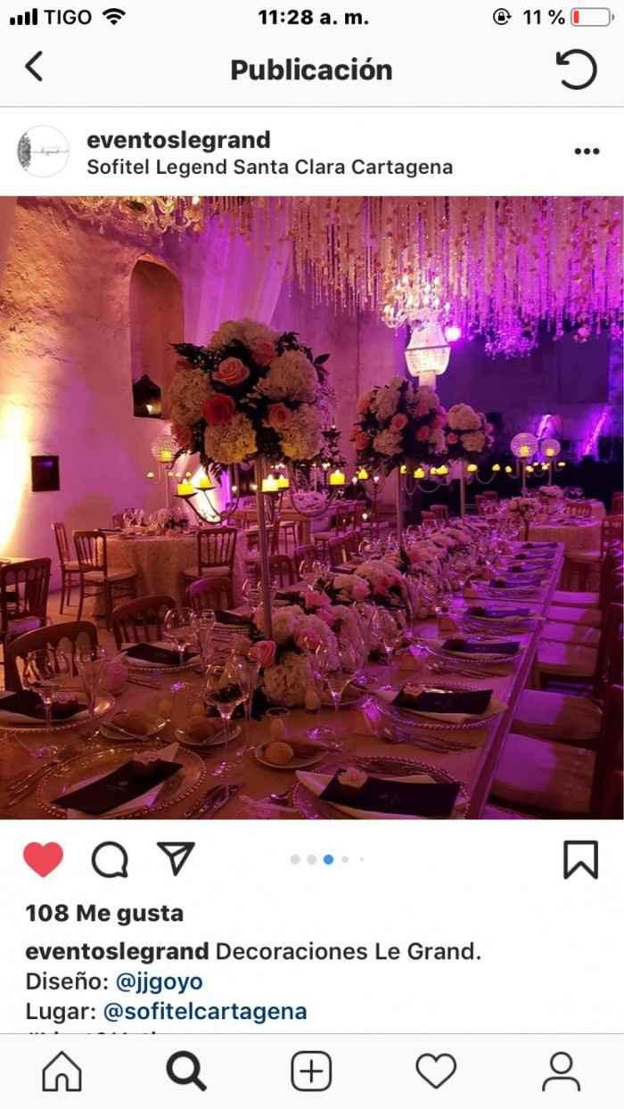 Asi qiero mi boda, con mas flores luces calidas y velas.