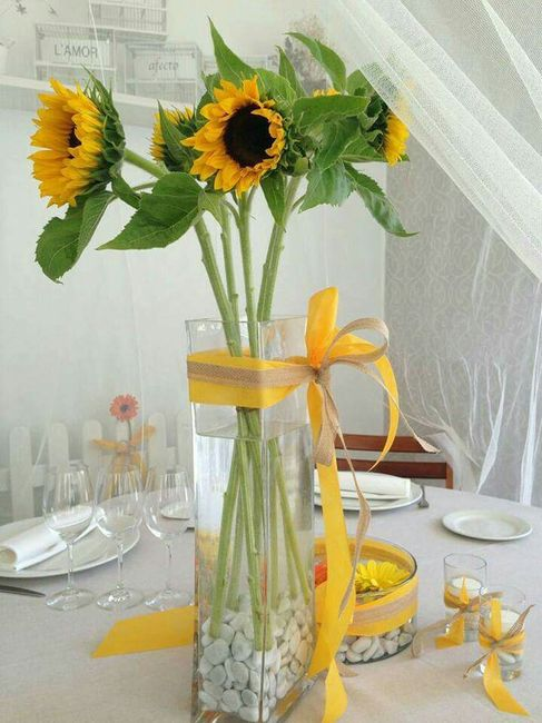 Decoracion con girasoles for Vestir una pared con plantas