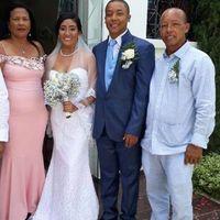 Con mis suegros y mi amado esposo!!