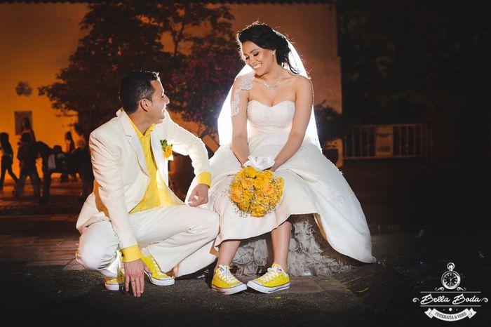Matrimonio In Converse : Mi boda en converse amarillos
