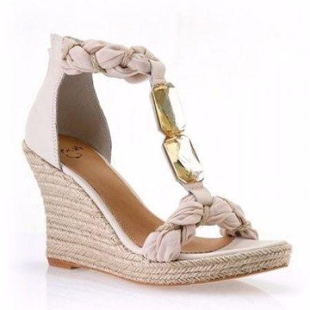 10 zapatos para un matrimonio en la playa