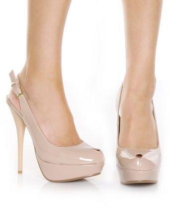 zapatos de color beige