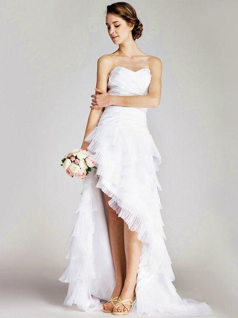 14 vestidos cortos en el frente y largos atrás