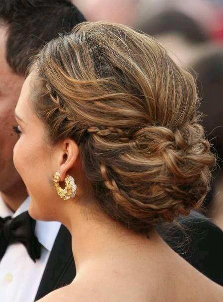 11 recogidos modernos para tu peinado de novia