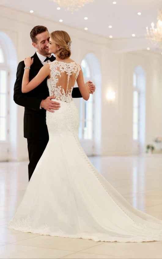 4 espaldas, 4 estilos de vestidos ¡escoge uno!