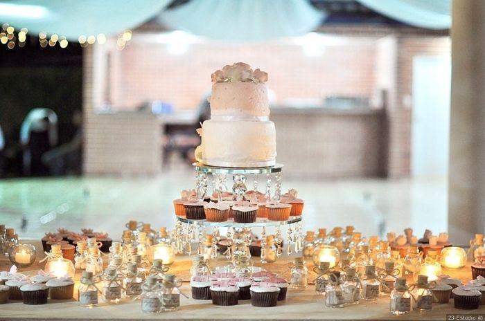Torta de matrimonio o cupcakes en tu mesa de dulces? 3
