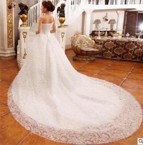 Vestidos de novia 2019 cola larga