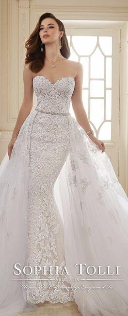 Vestido de novia con falda sobrepuesta