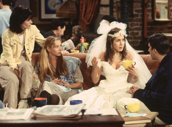 guerra de vestidos de novia - jennifer aniston