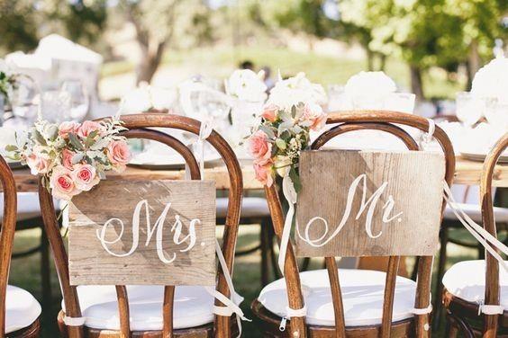 Qu dir n tus sillas de novios for Sillas para matrimonio