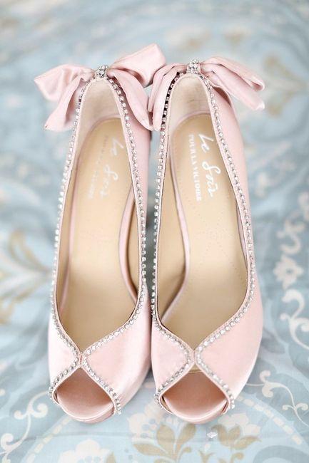zapatos de novia del color de temporada: rose quartz