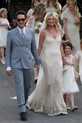 0c07433b6 Cuál es el vestido de novia famosa que más te gusta  1