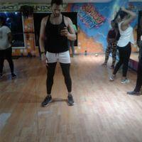 me la paso ensayando una coreografi y cantare en frances