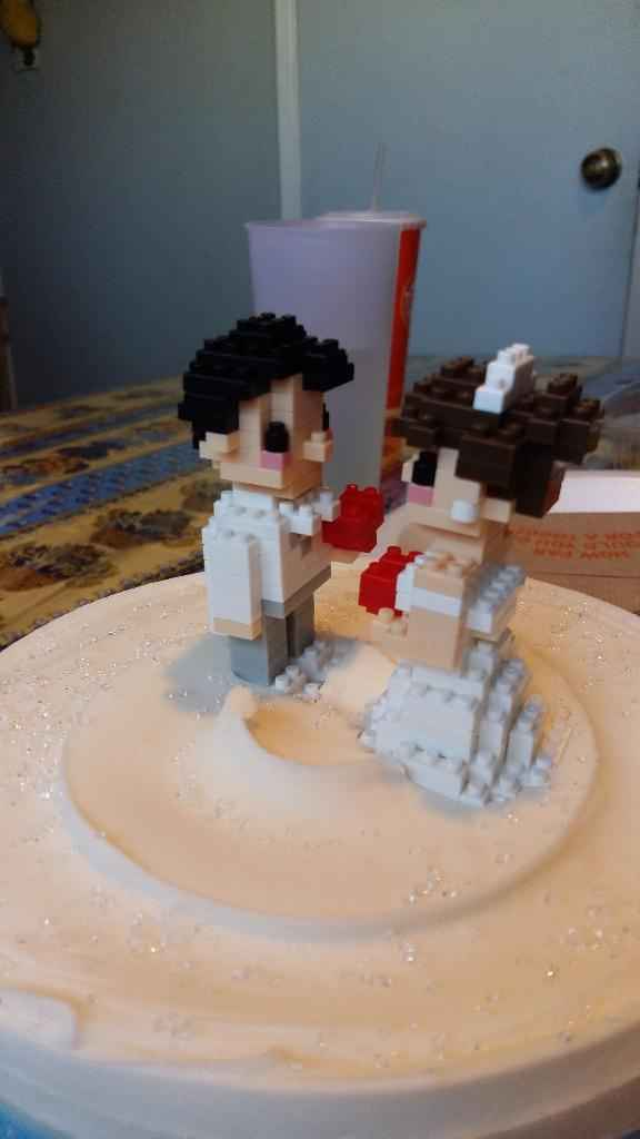 Nuestro Cake Topper en Lego
