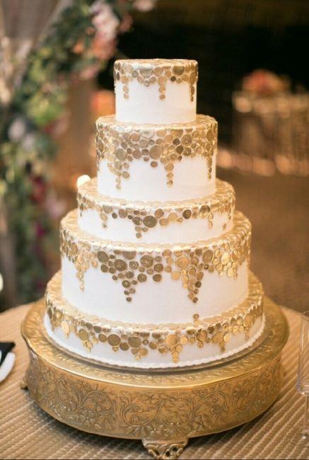 Pastel de boda en color dorado. - 10