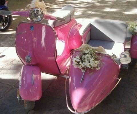 Rosa y facil de llevar a la novia <img class=