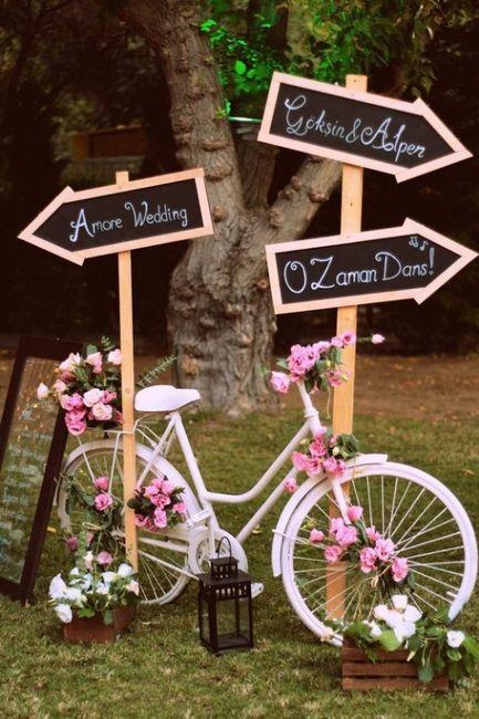 Ideas para decorar tu boda con bicicletas for Ideas para decorar una boda