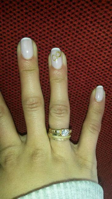 Uñas ? + anillo compromiso ? + argolla matri