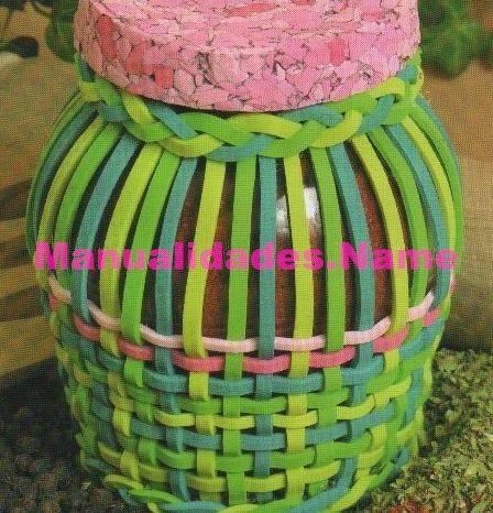 Decoraciones con frascos de vidrio for Botes de cocina decorados con goma eva