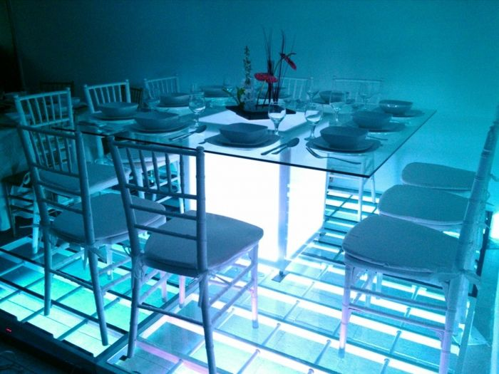 Decoraci n de sillas tiffany for Sillas para una mesa de cristal