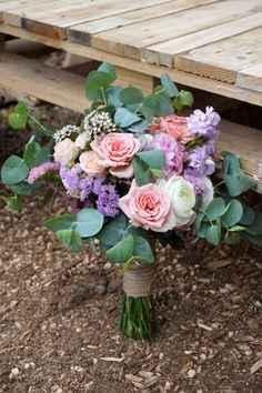 b) ramo de rosas