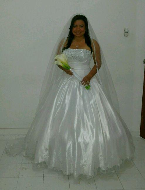 probándome un vestido de novia!!!