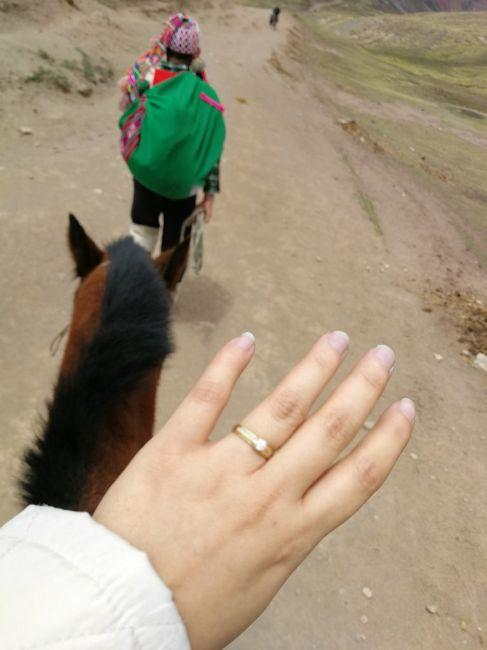 ¿De qué color tenías las uñas cuando te dieron el anillo de compromiso? 11