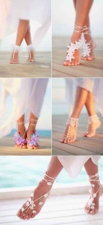 No zapatos, quiero sentir la arena así que este lindo adorno para los pies