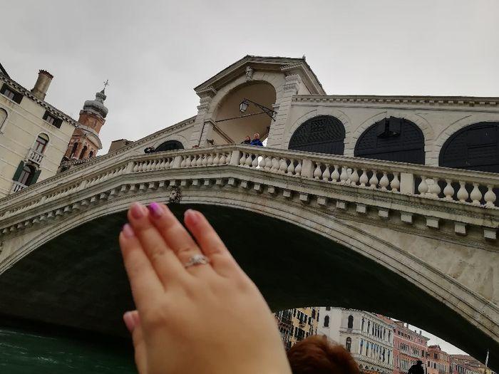 ¿De qué color tenías las uñas cuando te dieron el anillo de compromiso? 3