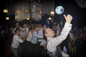 lanzando un balon