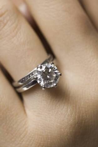 280900cdcf4f Anillo de compromiso + argolla de matrimonio - 1
