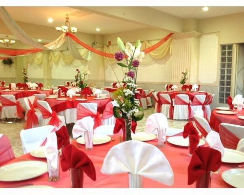 Decoracion de boda color rojo for Arreglos para boda en salon