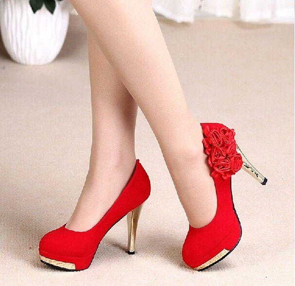 zapatos de novia en blanco, negro y rojo