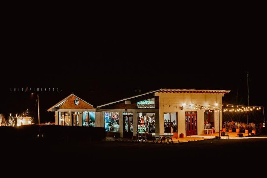 Hacienda San Pablo de noche