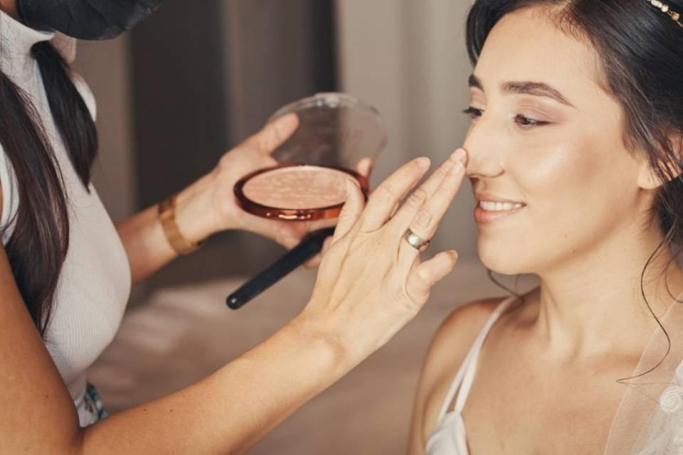 Lina María Makeup